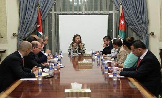 غنيمات تلتقي ممثلي الإعلام الرسمي ومقدمي البرامج الإذاعية - تفاصيل