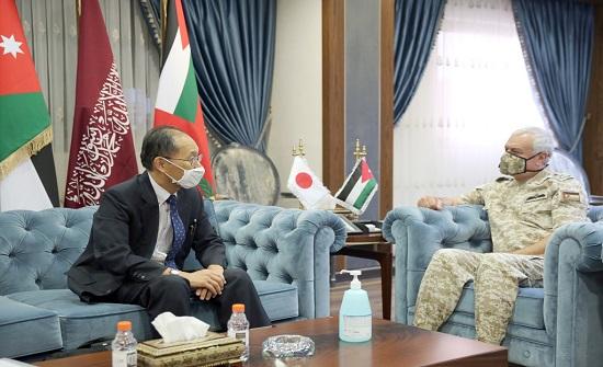 رئيس هيئة الأركان يستقبل السفير الياباني