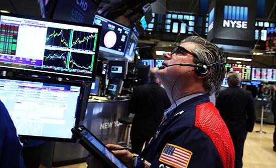 قفزة كبيرة بأسعار النفط بعد بيانات اقتصادية أقوى من المتوقع