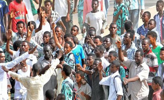احتجاجات في مناطق مختلفة من السودان بسبب غلاء المعيشة