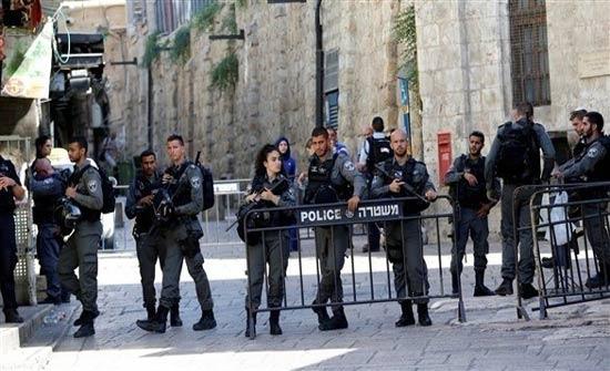 الاحتلال الاسرائيلي يقتحم مصلى باب الرحمة وسط اقتحام المستوطنين للاقصى