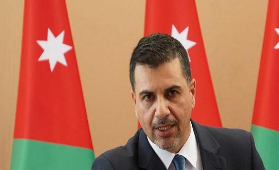 وزير المياه يشرف على اصلاح تسريب في مشروع وادي العرب 2