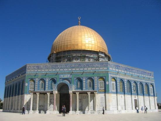مفتي القدس يدين محاولات الاحتلال تغيير الوضع القائم بالأقصى