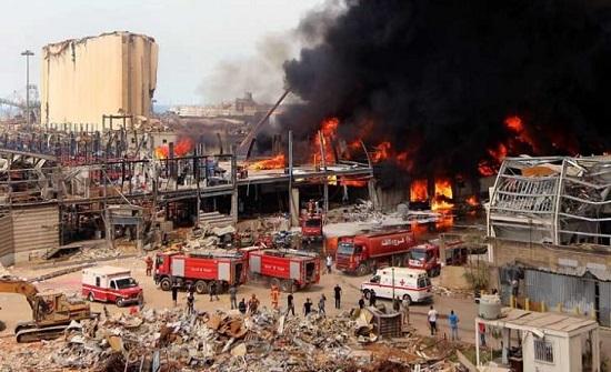 اندلاع حريق كبير في محيط مرفأ بيروت