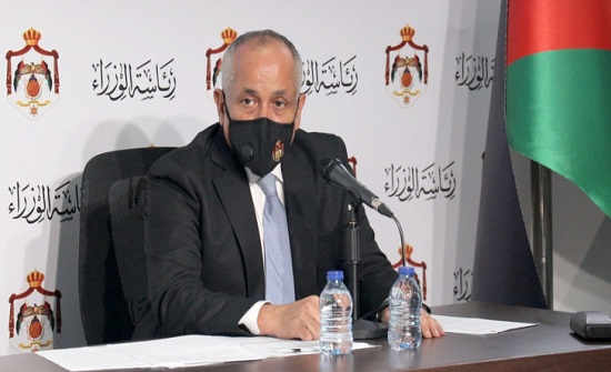 وزير الثقافة يفتتح معرض بانوراما الحياة والنور