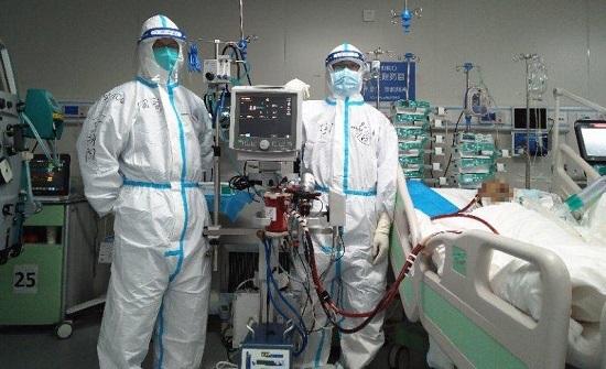 """مصدر : الحكومة تعمل على توفير 4 أجهزة """"إيكمو"""" لمصابي كورونا في الحالة المتقدمة"""