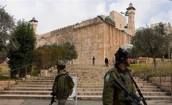 إسرائيل منعت رفع الآذان 49 مرة في المسجد الإبراهيمي خلال الشهر الماضي
