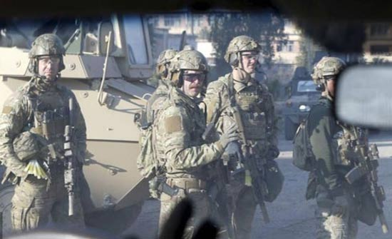 العراق يعلن خفض القوات الأميركية بأراضيه