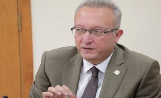 رئيس جامعة اليرموك يؤكد أهمية استحداث تخصصات أكاديمية جديدة