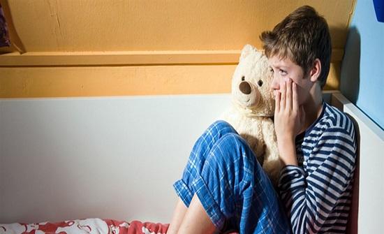 5 علامات تخبرك أن طفلك يعاني من مشكلة منها الدرجات المدرسية