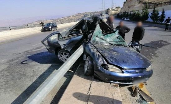 طلاب جامعة البلقاء حزينون على فراق زميلهم اثر حادث سير  - صورة