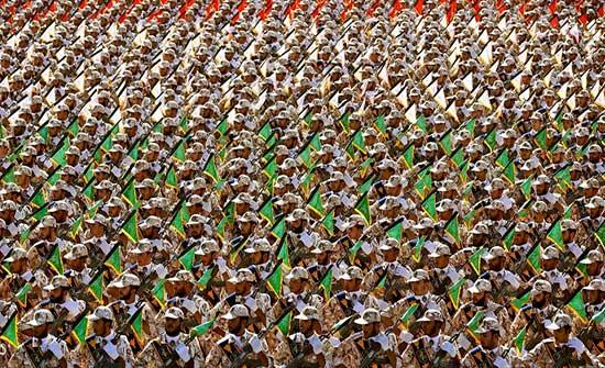 """مع تواصل الاحتجاجات.. قانون إيراني لـ""""عسكرة الإنترنت"""""""