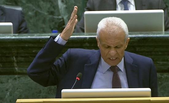 النائب الخصاونة يطالب بمحاسبة الحكومات السايقة