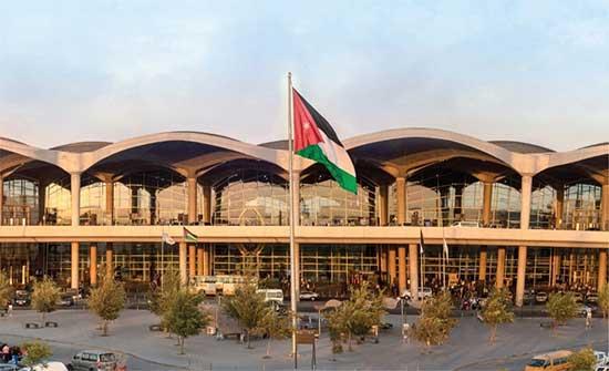 تلقي أكثر من 7500 موظف وموظفة في مطار الملكة علياء الدولي لقاح كورونا