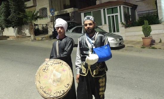 المسحراتي.. موروث رمضاني يعكس صورة إنسانية نبيلة لكرم الأردنيين