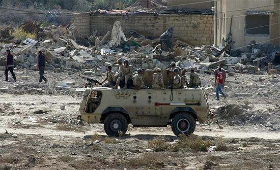 مصر: مقتل 7 عسكريين مصريين بانفجار غامض غربي سيناء