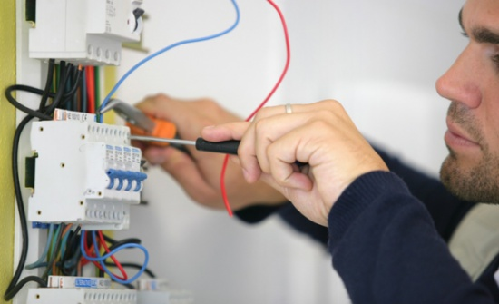 ضبط 13747 حالة سرقة كهرباء منذ مطلع العام
