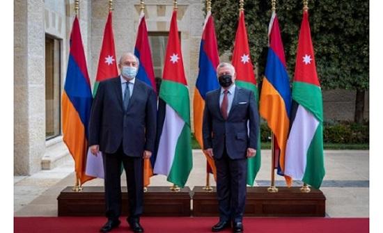 الملك يلتقي الرئيس الأرميني في قصر الحسينية