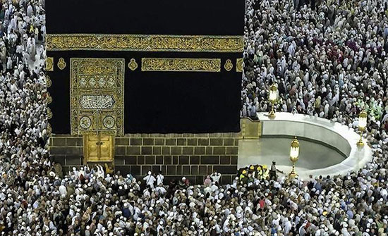 السعودية.. وصول أولى رحلات معتمري العام الهجري الجديد