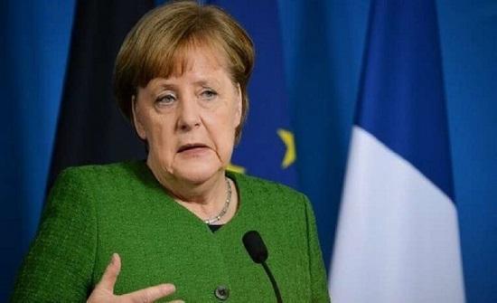 ميركل تؤكد استعداد الإتحاد الأوروبي لتقديم تنازلات في المفاوضات مع بريطانيا