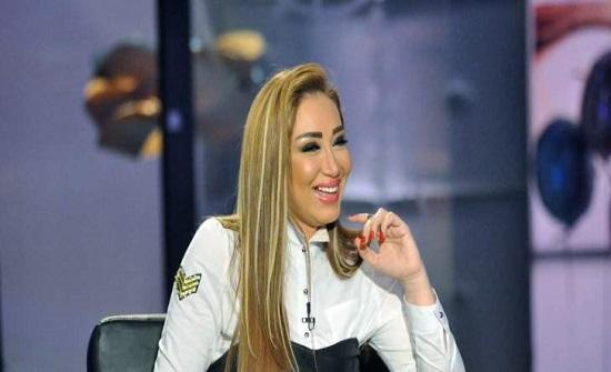 ريهام سعيد تهاجم حلا شيحة بسبب الحجاب-بالفيديو