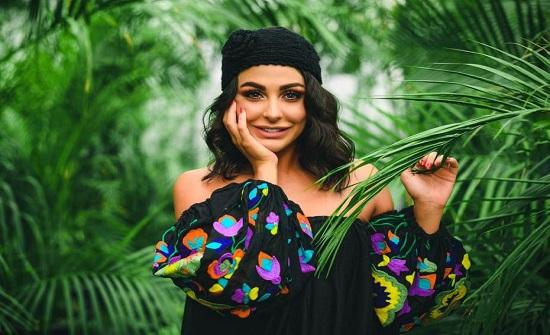 "شاهد .. الأردنية ميس حمدان ترقص "" التانغو "" مع مدربها"