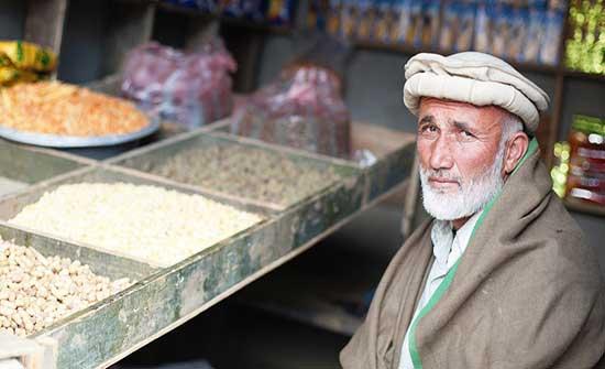 تقرير أممي يحذر: أفغانستان تتأرجح على شفا فقر شامل