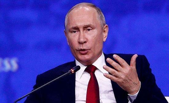 """بوتين ساخرا: تدخلنا في الانتخابات الأمريكية القادمة """"مرجح جدا"""""""