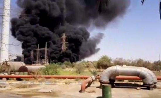 بالفيديو : انفجار وحريق بمحطة الزرقان للطاقة الكهربائية بالأحواز الايرانية
