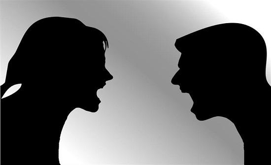 الأزهر :  إذا كان الزوج قد علم بعمل زوجته قبل الزواج فعليه الالتزام بهذا الاتفاق