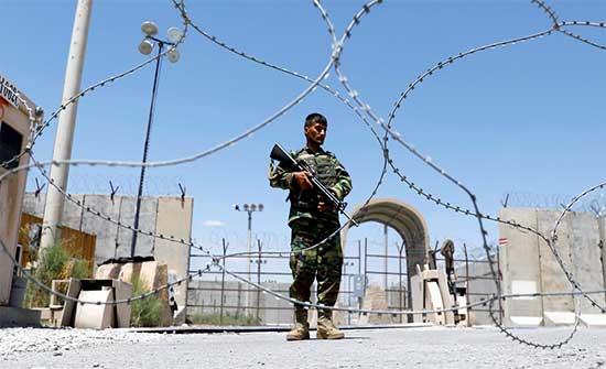 الجيش الأفغاني يعلن مقتل وجرح العشرات من طالبان والحركة تسيطر على مناطق جديدة