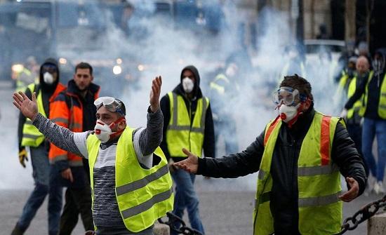 المعارضة تكيل الضربات لماكرون: أين اختفى رئيس فرنسا؟