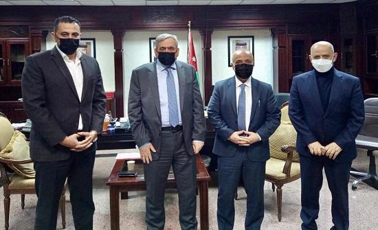 النائب أبو حسان والحاج توفيق يلتقيان وزير الصحة