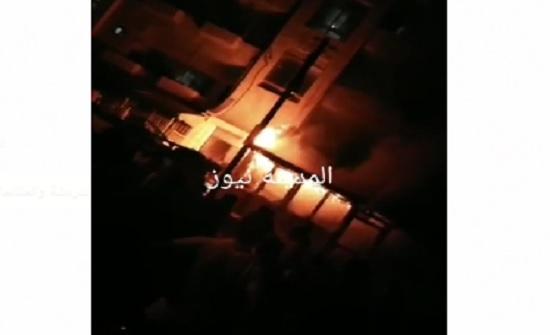 بالفيديو والصور  : بسبب خلافات شخصية ... احراق منزل في إربد