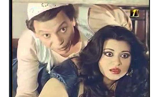 بالفيديو : فنانة مصرية شهيرة:«حسيت إني فرن بسبب مشاهدي الساخنة»