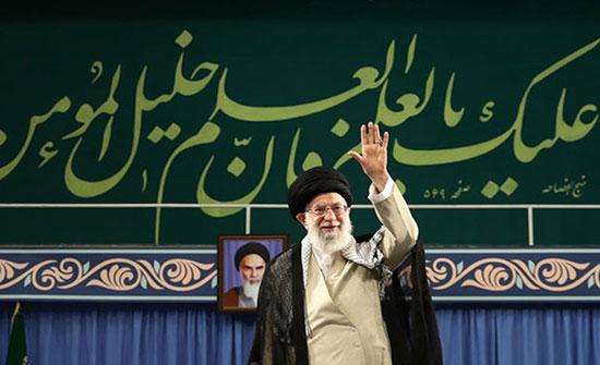 """خامنئي معلقا على تظاهرات العراق: هناك """"مؤامرة"""" لتفريقنا"""