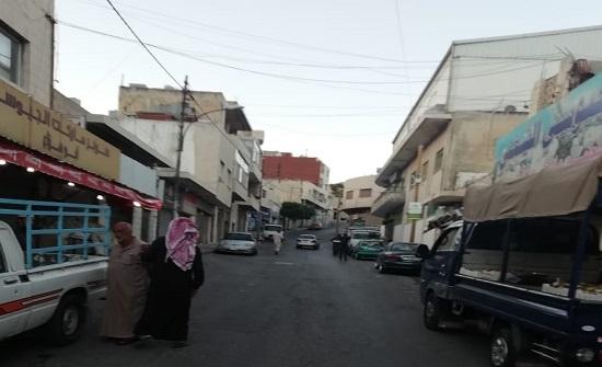 حملة لإزالة البسطات العشوائية والتجاوزات على الارصفة في عمان