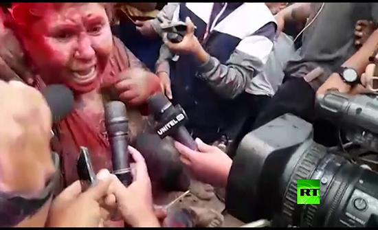 بالفيدو : بوليفيا.. متظاهرون يهاجمون عمدة ويجبرونها على الاستقالة