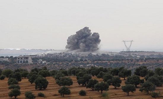 مقتل إمرأة وإصابة آخرين بقصف سوري روسي على إدلب