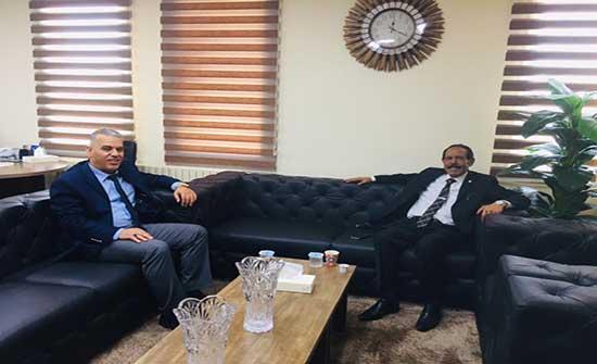 رئيس جامعة جرش يزور جامعة إربد الأهلية