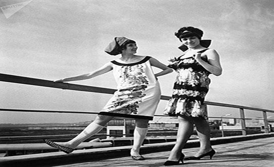 بالصور : الحنين إلى أزياء الستينيات