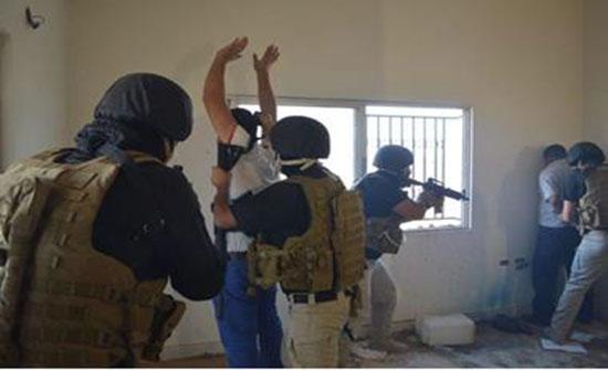 القبض على 12 مطلوباً وضبط أسلحة ومركبات معمم عليها