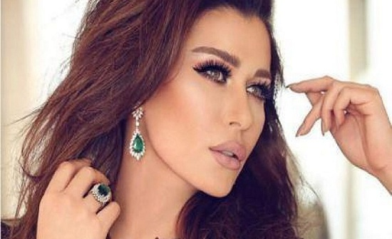 نادين الراسي عن خطيبها: يجعلني أضحك فأحبّه