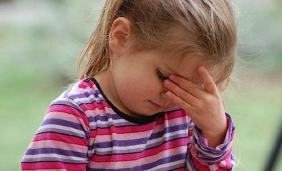 الصداع عند الأطفال.. هذه أسبابه وأنواعه ودلالاته