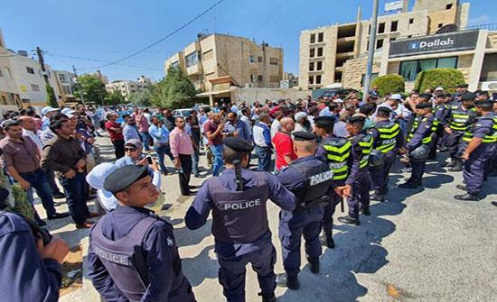 """""""المعلمين"""" تعلق اعتصامها وتعلن اضرابا الأحد"""