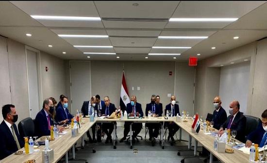 الصفدي ونظيراه المصري والعراقي يعقدون اجتماعا ثلاثيا