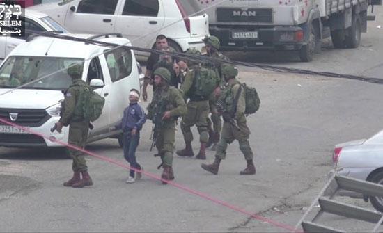 بالفيديو : منظمة إسرائيلية تنشر فيديو لعملية اعتقال جيش الاحتلال لطفل فلسطيني