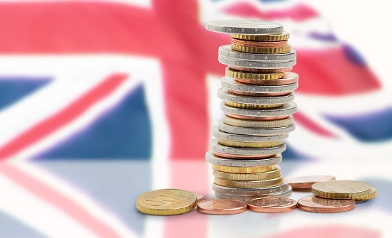 نمو الاقتصاد البريطاني بشكل طفيف بعد تخفيف قيود الإغلاق