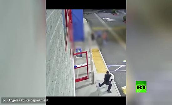 شاهد : شرطة لوس انجلوس تنشر إعلانا للمساعدة في ضبط لص قام بسرقة محل