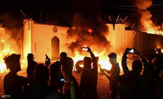 قطع طرق وإضراب كبير في النجف عقب حرق القنصلية الإيرانية